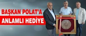 Başkan Polat'a Anlamlı Hediye
