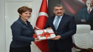 Başkan Gürkan Sanat ve Sanatçıya Önem Vermeliyiz