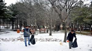 Sokak Hayvanları ve Kuşlar İçin Doğaya Yem Bırakıldı