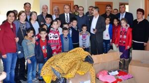 Şahkulu Dergahı Arguvan'lı Yoksul Öğrencileri Giydirdi