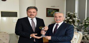 Vali Kamçıdan Başkan Çakır'a Veda Ziyareti