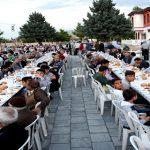 Büyükşehir Belediyesi Sokak İftarlarının İlki Seyran Mahallesinde Düzenlendi
