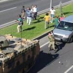 Askeri Linçten Polis Kurtardı