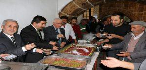 Hekimhan Belediyesi, Muharrem Ayı Nedeniyle Aşure Dağıttı.