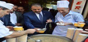 Lokantacılar Odası Başkanı Tuna'dan geleneksel Aşure ikramı
