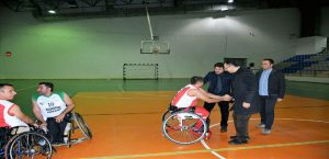 Vali Mustafa Toprak Tekerlekli Sandalye Basketbol Maçını İzledi