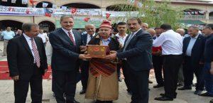 Şed Kuşatma Töreni Yapıldı, Yılın Ahileri Ödüllerini Aldı