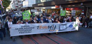 7. Bursa Uluslararası Fotoğraf Festivali Coşkulu Yürüyüşle Başladı