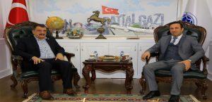 Yeni Malatyaspor Kulüp Başkanı Gevrek, Başkan Gürkan'ı Ziyaret Etti