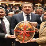 Milli Eğitim Bakanı Selçuk'a Malatya Kayısısı