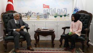 Başkan Güder, 5. Sınıf Öğrencisi Buse Hakverdi'nin Sorularını Yanıtladı