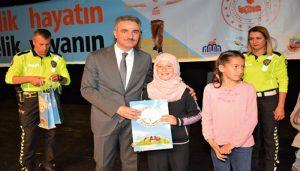 Vali Baruş Karayolu Trafik Haftası Törenine Katıldı