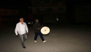 Başkan Karadağ Davulcular ile Beraber Vatandaşları Sahur'a Kaldırdı