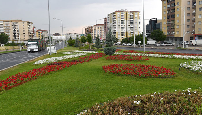 157 Bin Çiçek Toprakla Buluştu