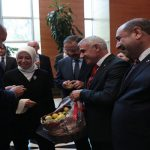 Milletvekili Çalık ve Başkan Güder, Cumhurbaşkanı Erdoğan'a Kayısı İkram Etti