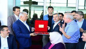 Başkan Çınar, Son Başbakan, Ak Parti İzmir Milletvekili Binali Yıldırım'ı Ağırladı