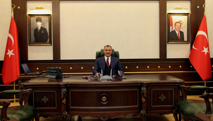 Vali Kaldırım Müjdeyi Verdi.Elazığspor ve Elazığ Belediyespor Maçlarını Seyircili Oynayacak