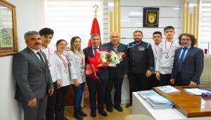 Madalyalı Öğrencilerden Tatlı'ya Ziyaret