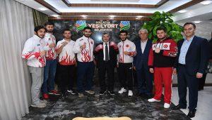 Başkan Çınar, Kıck-Boks Erkek A Milli Takım Sporcularını Ağırladı