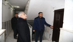 Başkan Güder, İlçedeki Hasarlı Evleri Gezdi