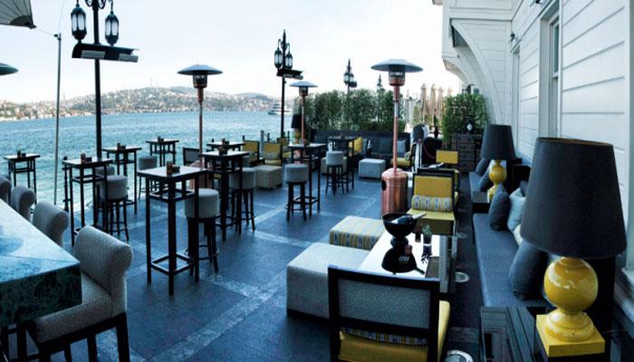 Les Ottomans Hotel Restoranları Yaz ve Kış Salonlarıyla Hizmet Vermekte
