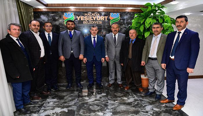 Yeşilyurt Belediye Başkanı Mehmet Çınar, MHP İl ve İlçe Yönetimini Ağırladı