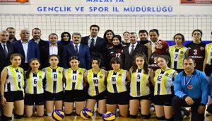 Yeşilyurt Belediyesi Liselerarası Voleybol Turnuvasında Heyecan Yüksek