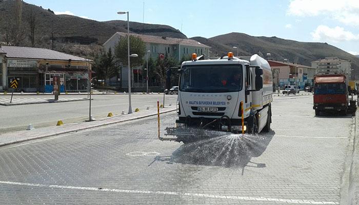 Büyükşehir Belediyesi İlçelerde Dezenfekte Çalışmalarına Devam Ediyor