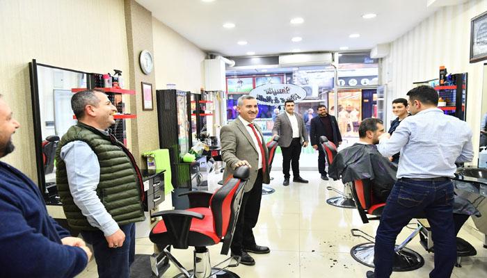 Yeşilyurt Belediyesi Esnaflara Erken Ödeme Yaparak Destekte Bulundu