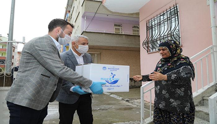 Battalgazi Belediye Başkanı Osman Güder'den Yaşlılara Büyük Moral