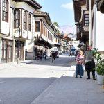 Yeşilyurt'un Tarihi Konakları ve Doğal Zenginlikleri 'Zalo' Filmine Ev Sahipliği Yapıyor