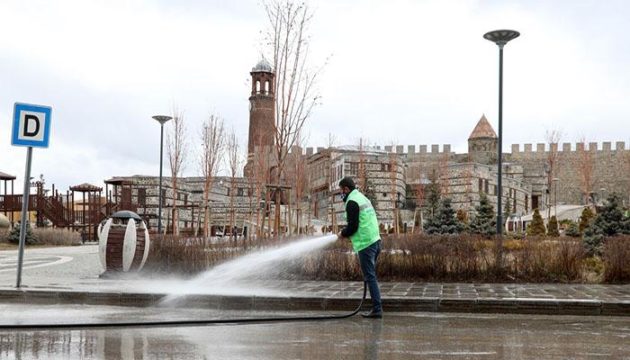 Büyükşehir'in Salgınla Mücadele Çalışmaları Hız Kesmeden Sürüyor