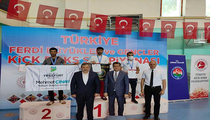 Kıck-Boks Sporcuları, Şırnak'tan Başarılarla Döndü