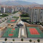 Başkan Çınar, Çilesiz Mahallesinde Yapımı Süren Spor Tesislerini İnceledi