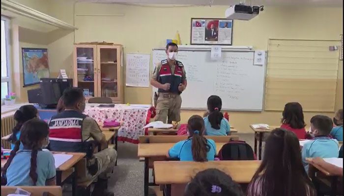 İl Jandarma Komutanlığı Öğrencilere Buluştu